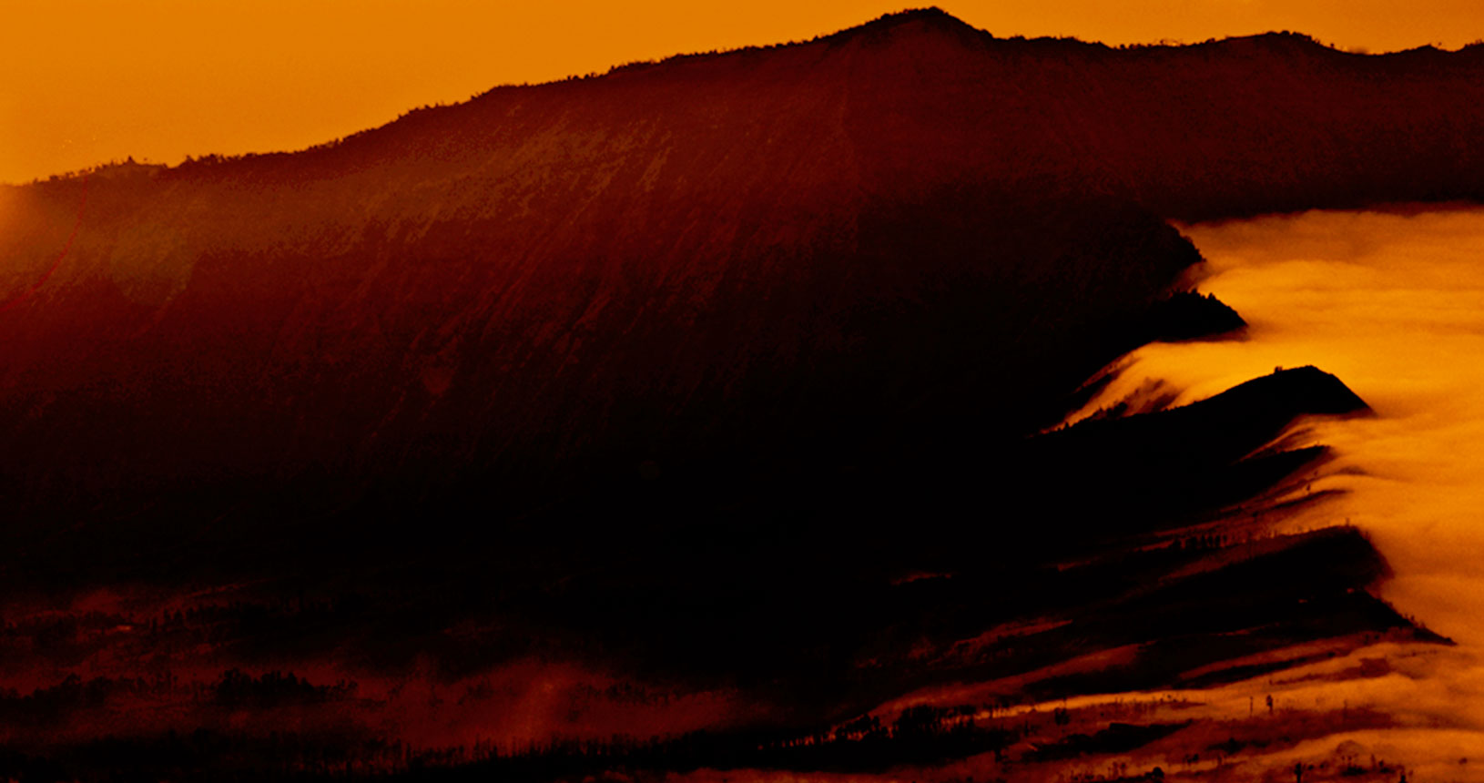 pesona golden sunrise kaldera bromo